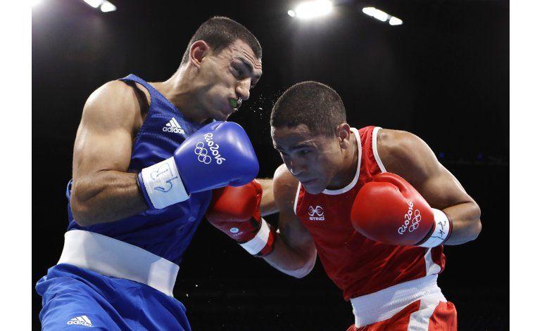 Venezolano Maestre reafirma su capitanía y avanza en boxeo