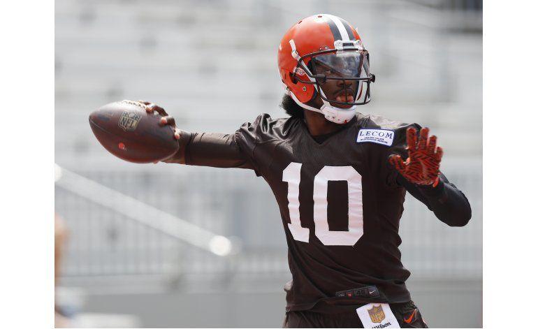 Browns nombran a RG3 quarterback titular
