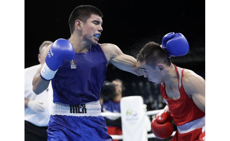 Mexicano Velásquez eliminado en 2da ronda de boxeo en Río