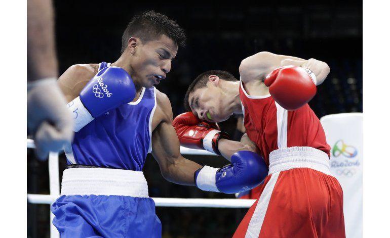 Dueño de cevichería, ecuatoriano Quipo a cuartos en boxeo