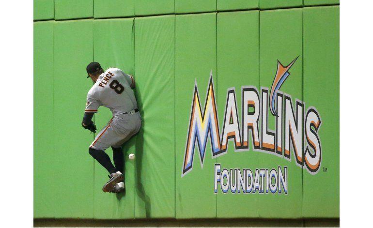 Crawford logra marca en MLB, Gigantes ganan a Marlins en 14