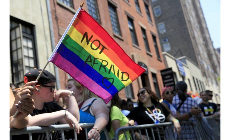 Sondeo: Jóvenes EEUU apoyan derechos LGBT como la adopción