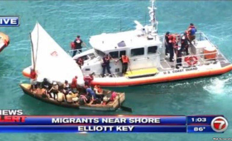 Guardia Costera intercepta a balseros cubanos en cayo cercano a Miami