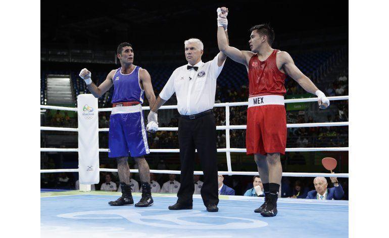 Mexicano Chino Rodríguez avanza a cuartos en boxeo en Río