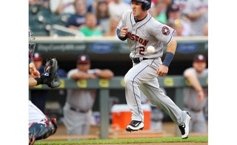 Altuve y Correa guían a Astros en triunfo sobre Mellizos