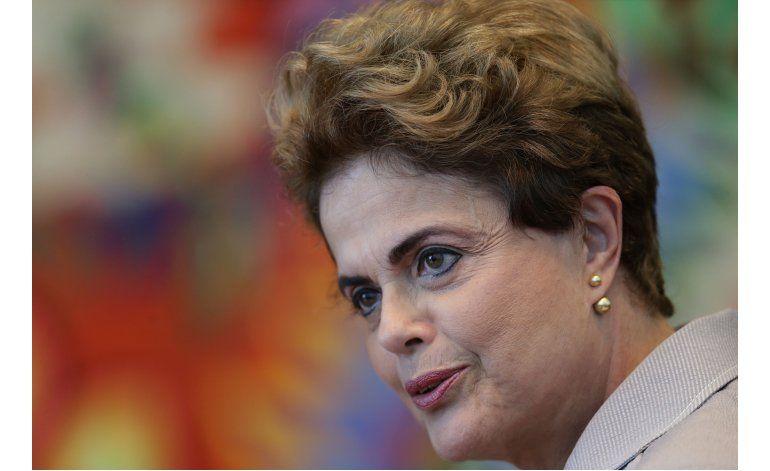 Senado de Brasil vota a favor de enjuiciar a Rousseff