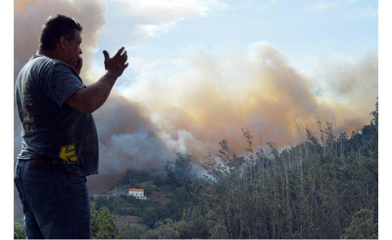 Portugal agobiado por voraces incendios forestales