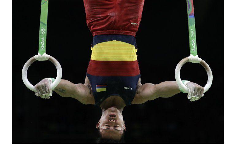 Colombiano Calvo, 10mo en final de gimnasia olímpica
