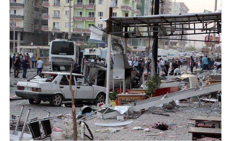 Huyen dos agregados militares turcos en Grecia