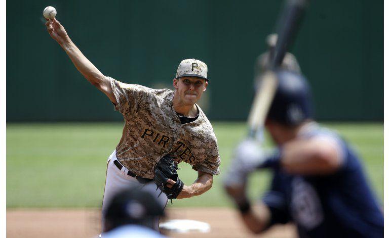 Taillon lanza pelota de 3 hits y Piratas vence a Padres