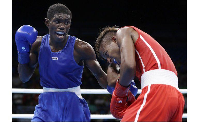 Martínez asegura histórica plata para Colombia en boxeo