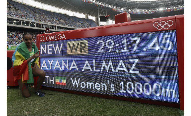 Etíope Ayana rompe marca mundial en 10.000 metros en mujeres
