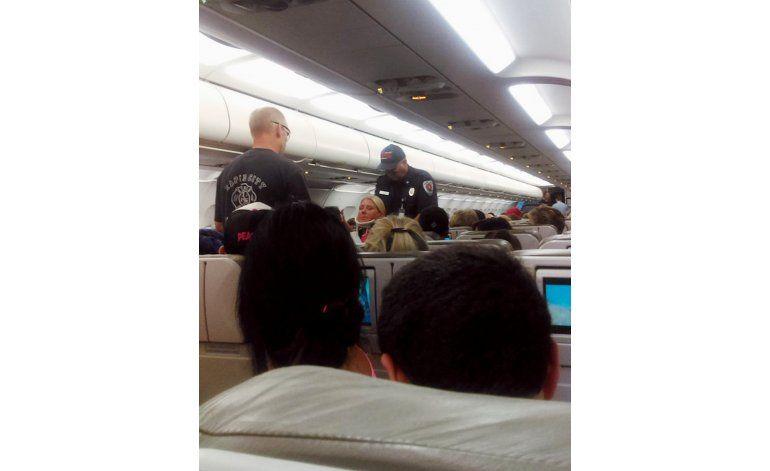 Turbulencia durante vuelo de JetBlue deja más de 20 heridos