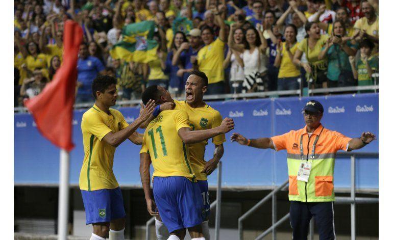 Reconciliado con gol, Brasil busca semis de fútbol olímpico