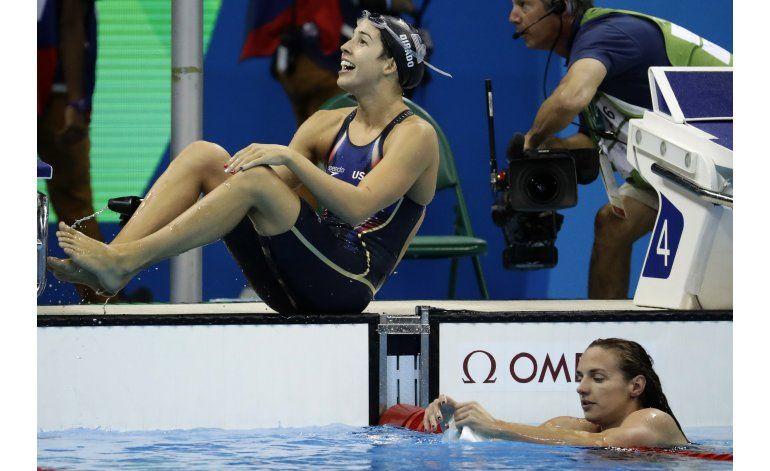 Maya Dirado gana los 200 espalda; Hosszu segunda
