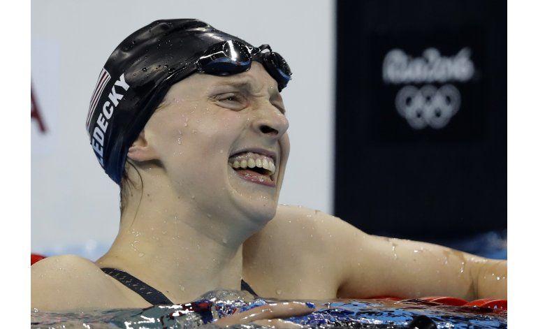 Ledecky gana los 800 con récord mundial; su 4to oro en Río