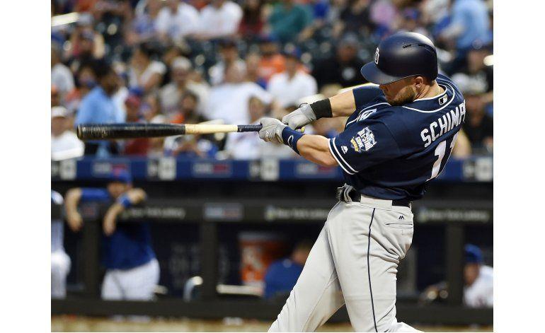 Schimpf jonronea 2 veces y Padres ganan 8-6 a Mets