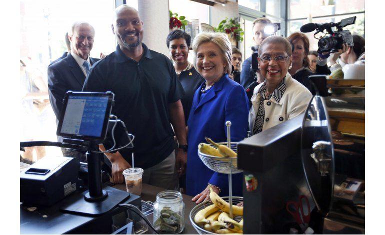Reportera de AP niega que Clinton haya sufrido convulsiones
