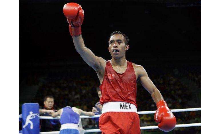 Soldado mexicano Emigdio avanza en boxeo en Río