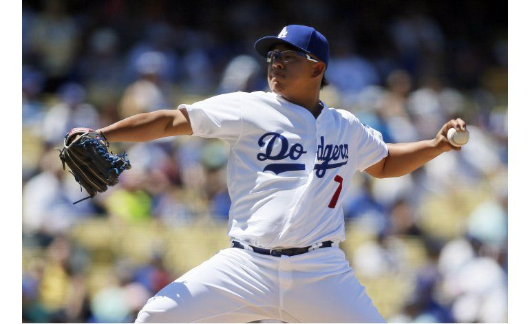 Dodgers descargan 17 hits al vencer 8-4 a Pittsburgh