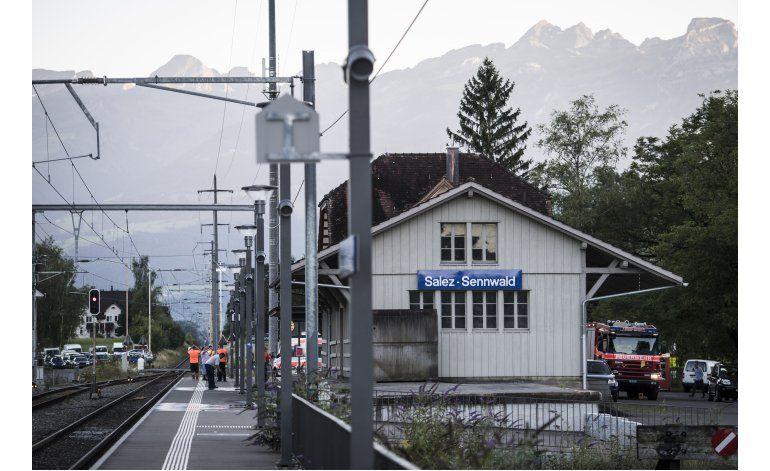 Hombre apuñala pasajeros en tren en Suiza