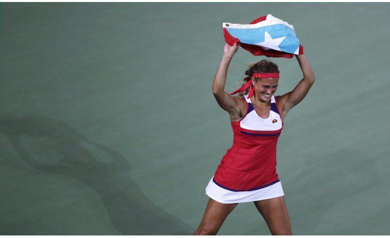 Gigi Fernández felicita a Puig por oro olímpico