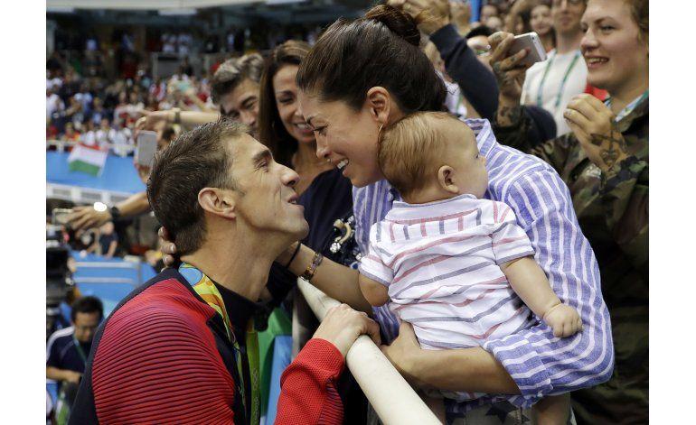 Cariñoso padre y despiadado nadador: las dos caras de Phelps