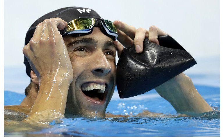 Phelps y Ledecky encabezan dominio de EEUU en natación