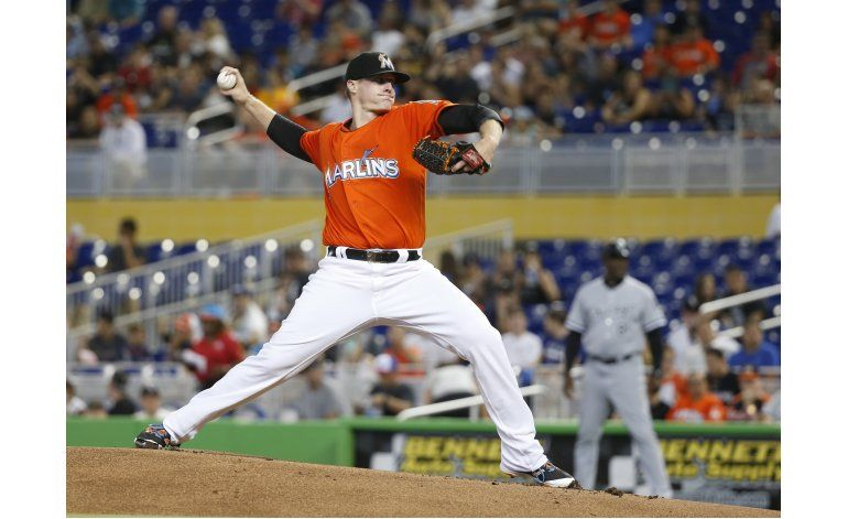 Disparo de Yelich salva victoria de Marlins
