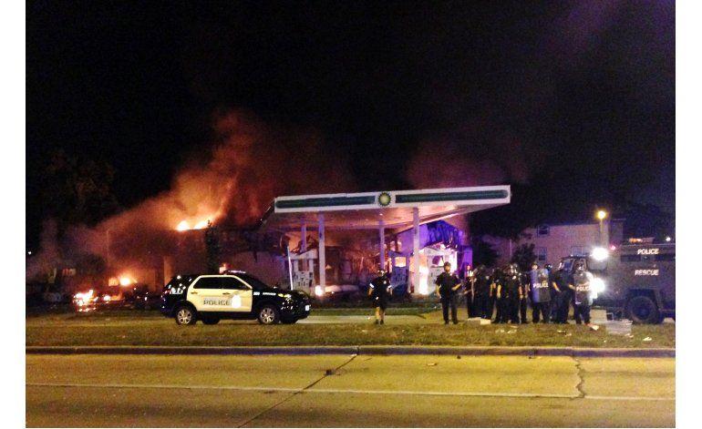 Milwaukee: Hombre negro baleado tenía un arma, dice policía