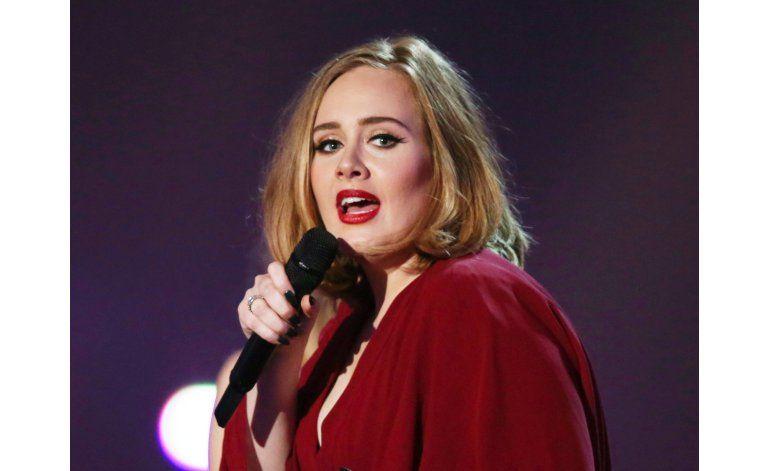 Adele rechaza oferta para cantar en el Super Bowl
