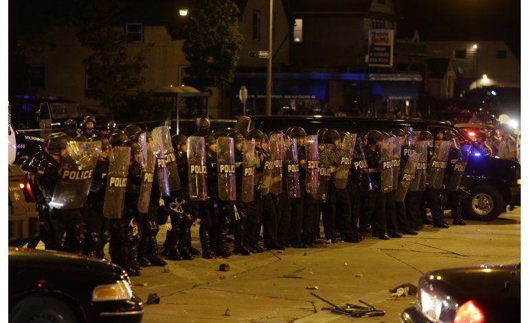 Milwaukee: Una persona baleada en segunda noche de protestas
