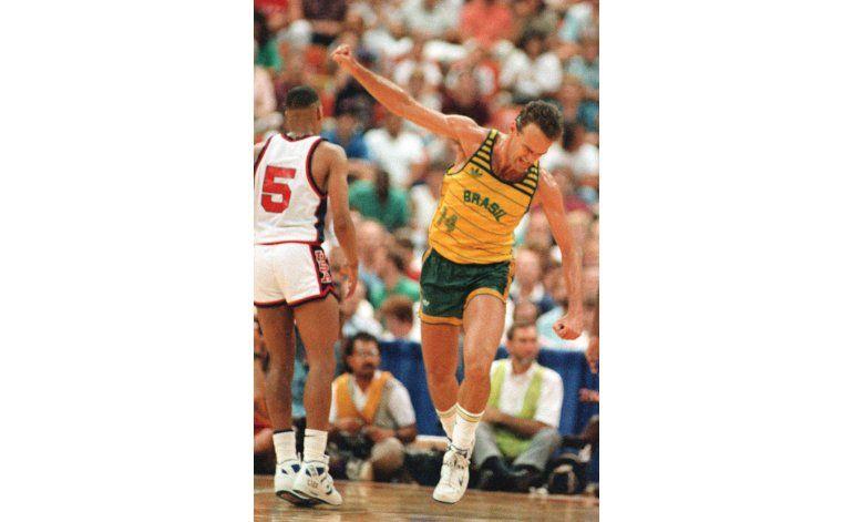 Brasileño Oscar Schmidt transformó el básquetbol olímpico