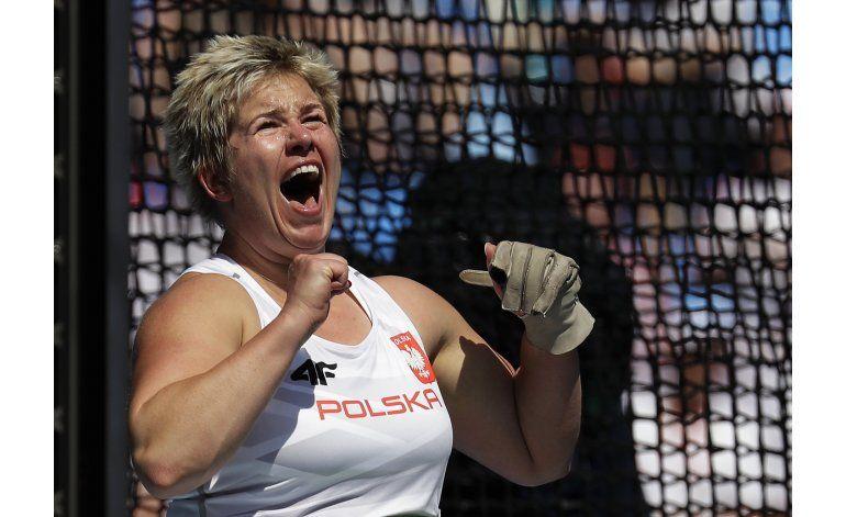 Wlodarczyk rompe récord mundial de martillo en Rio
