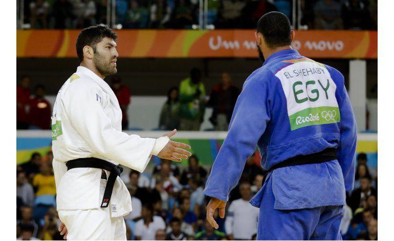 COI: Regaño a egipcio que no dio mano a judoca israelí