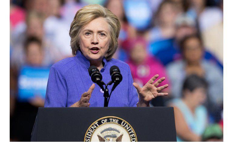 Clinton: Que se aclare vínculo de asesor de Trump con Rusia