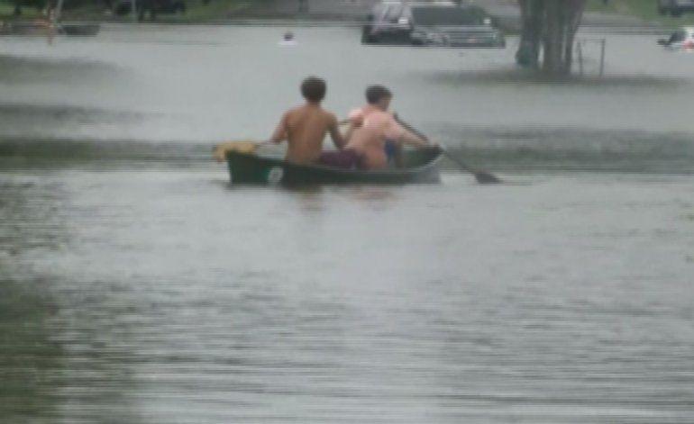 Varios muertos y miles de  evacuados por inundaciones en Louisiana