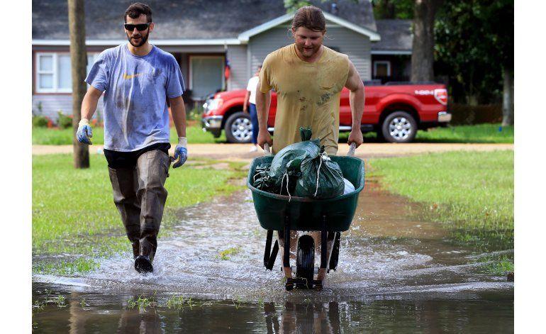 Comienzan labores de limpieza y búsqueda en Louisiana