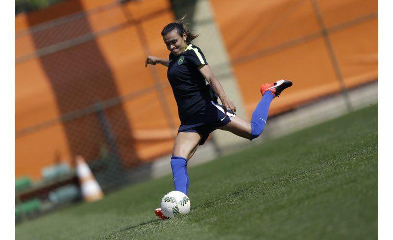 JJOO resaltan falta de deportes para jóvenes brasileñas