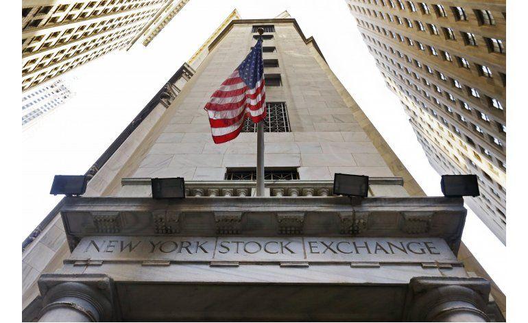 Wall Street cierra en baja; caen empresas telefónicas