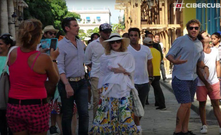 Madonna de paseo por las calles de La Habana, Cuba (Imágenes Exclusivas)