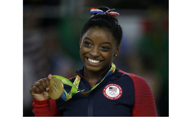 Simone se despide con otro oro, Bolt va por más