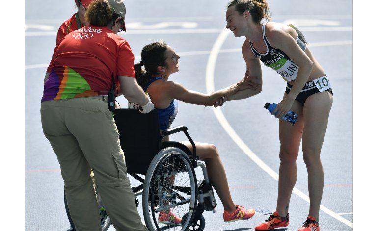 Corredora que ayudó a otra se rompió ligamentos de rodilla