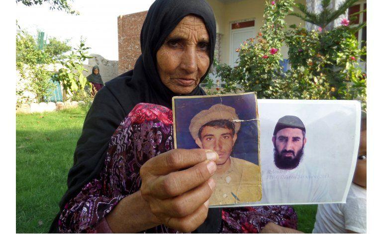 Familia está feliz de que afgano salga de Guantánamo