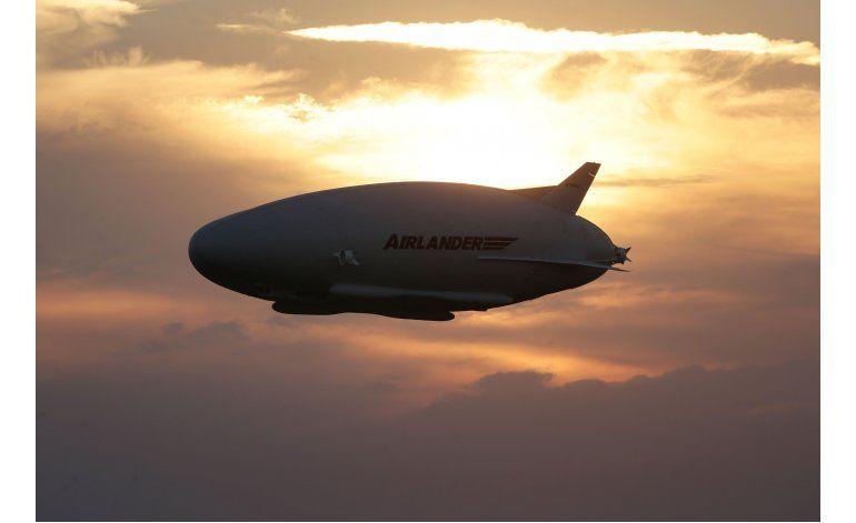 Enorme dirigible Airlander 10 despega por primera vez