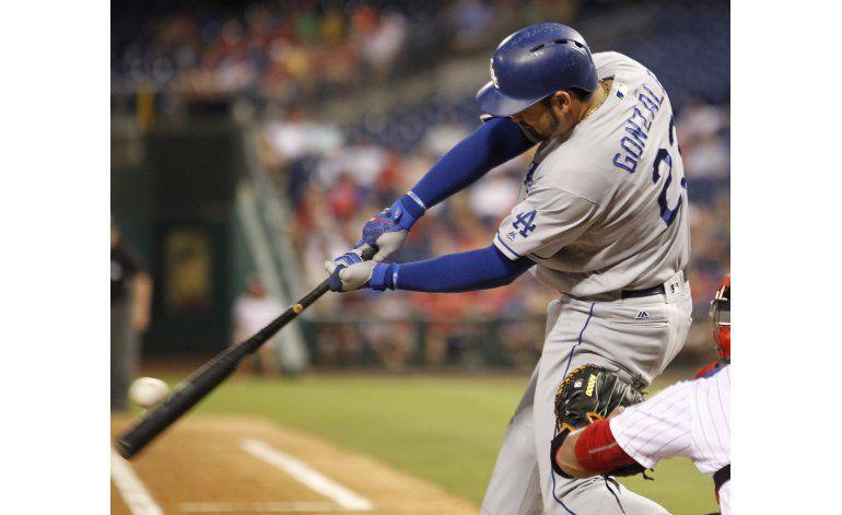 González pega dos jonrones en triunfo de Dodgers sobre Filis