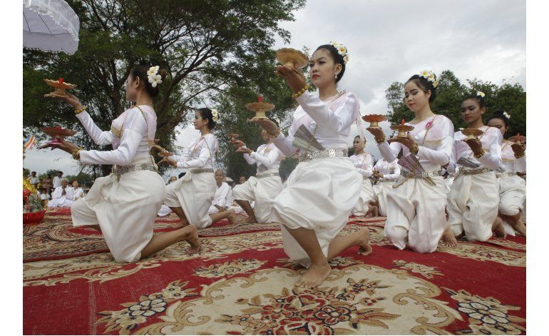 Camboya: piden ayuda espiritual para recuperar estatuas
