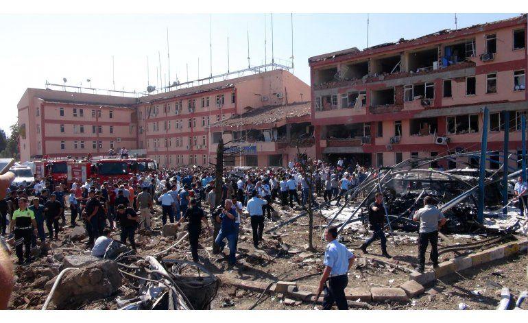 Atentados atribuidos a curdos dejan 14 muertos en Turquía