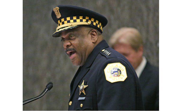 Policía de Chicago recomienda despedir a 7 agentes
