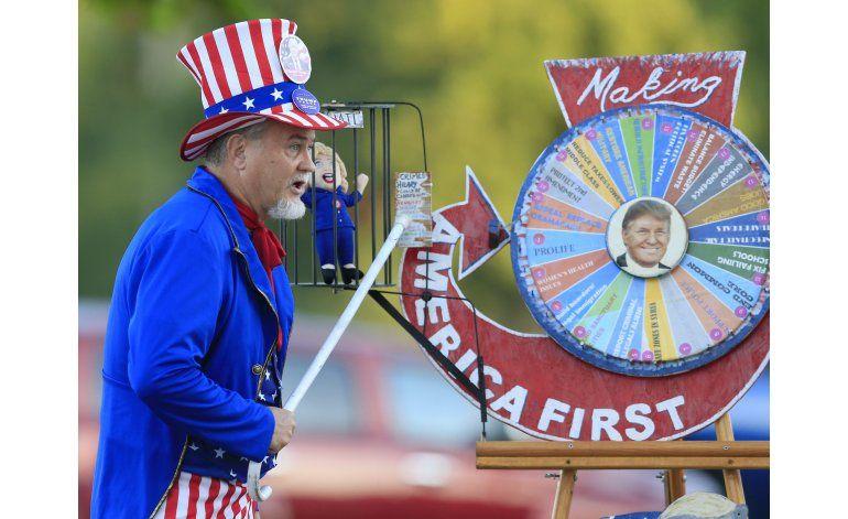 Trump hace fuerte inversión en publicidad en estados reñidos